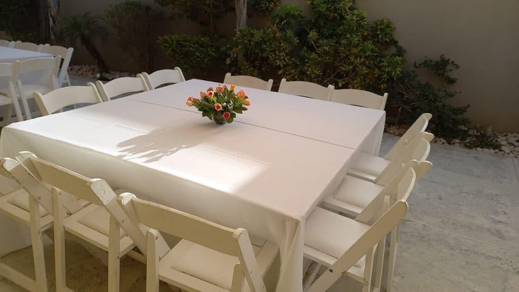 עיצוב שולחן לאירוע קטן